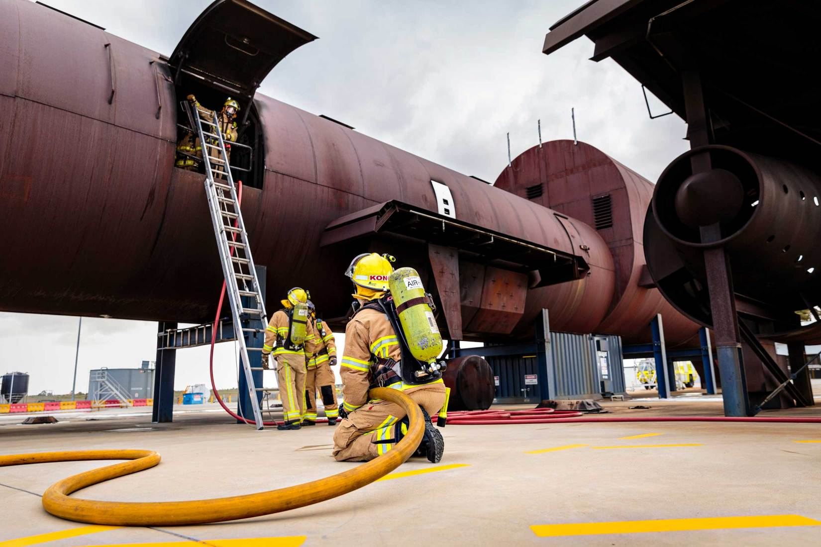 18106-3601-Image-Workshop-Melbourne-firefighter-fire-fighting-photography