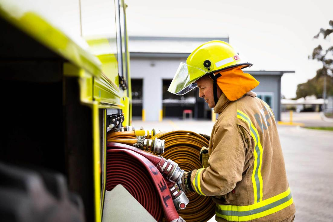 18106-3647-Image-Workshop-Melbourne-firefighter-fire-fighting-photography