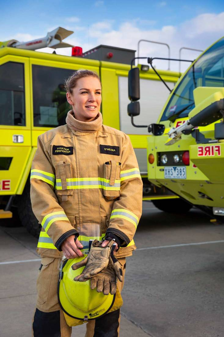 18106-3831Image-Workshop-commercial-portrait-photography-Melbourne-female-firefighter