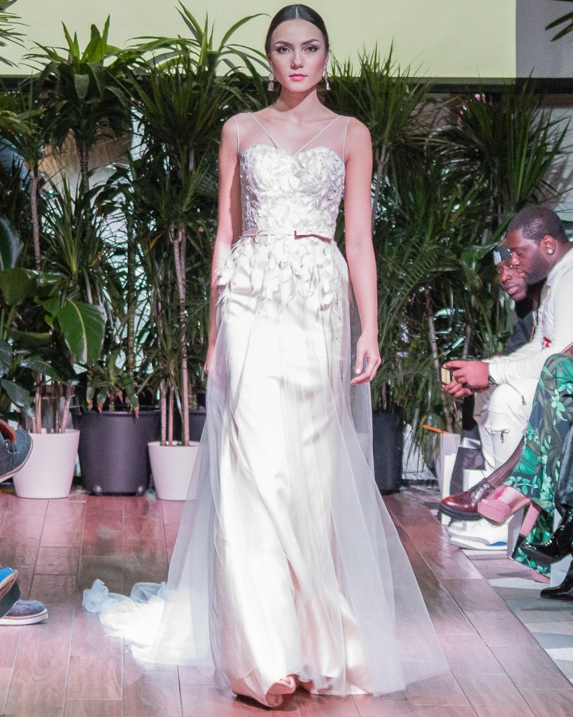 Model wearing Pia Gladys Perey