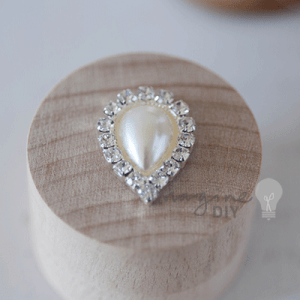 Pearl & Crystal Teardrop, Teardrop shape decoration with pearl and crystal details. DIY wedding stationery supplies. Make your own wedding invitations, paper crafts