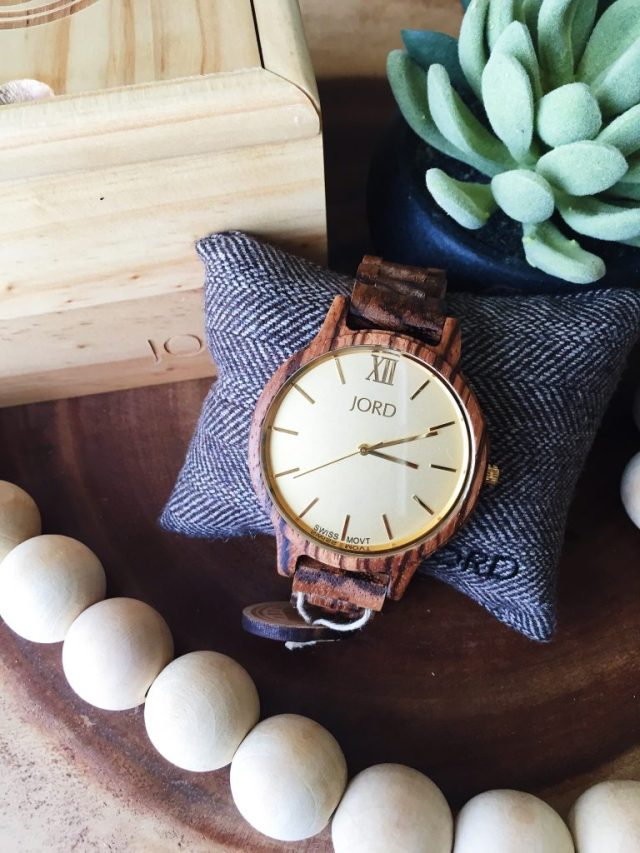 womens-gifts-jord-wood-watch