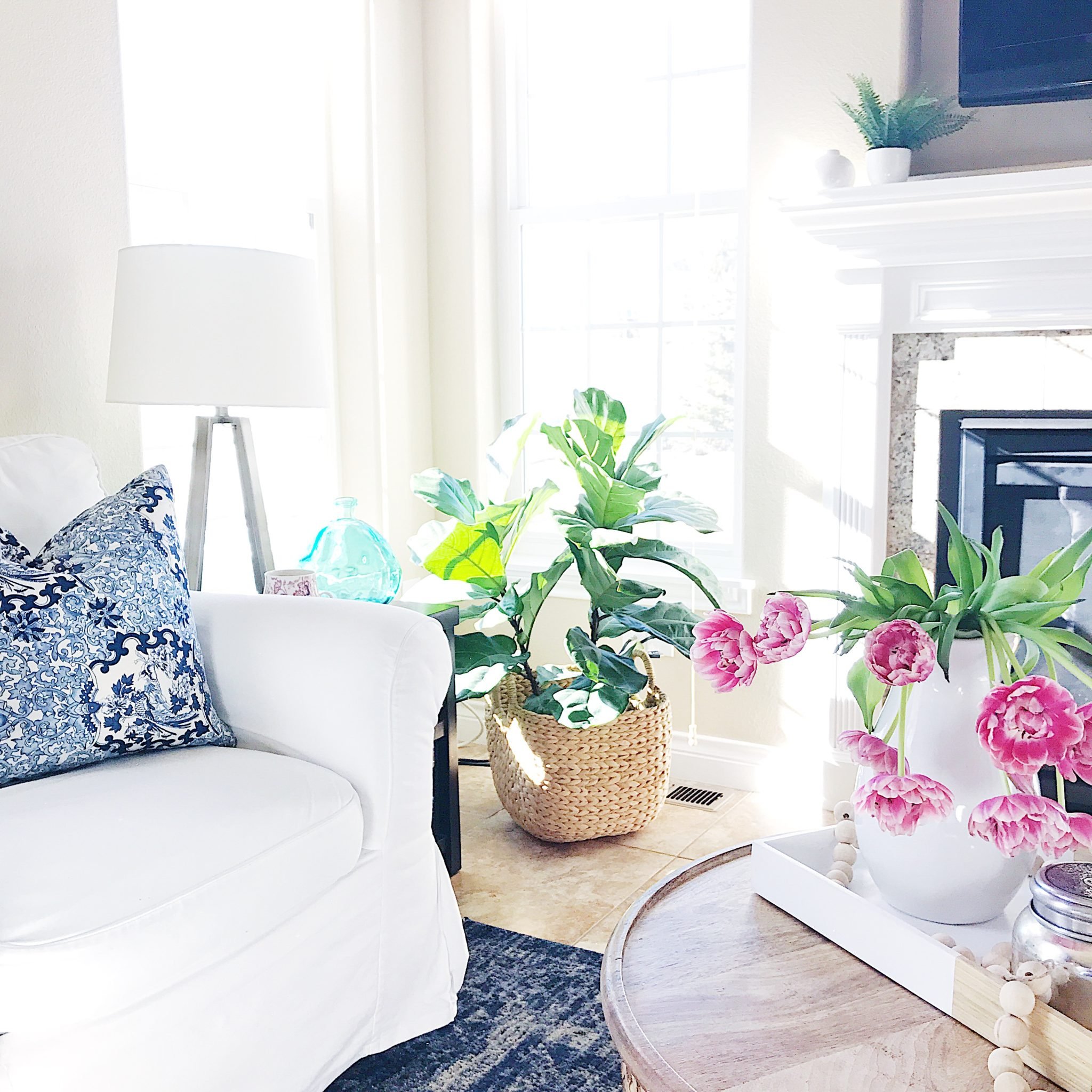 Spring Home Inspiration Decorating with Navy Blue jane