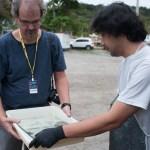 Ricardo Hantzchel inspecionando o super ambrótipo.