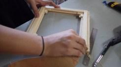 Montagem do chassi. É possível ver os diversos encaixes para placa de vidro.