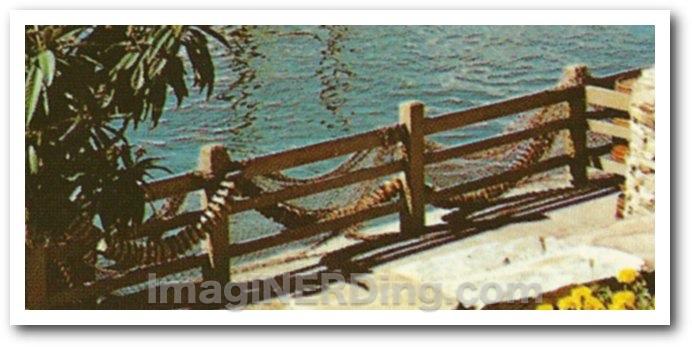 river_boat_HM_fence_close