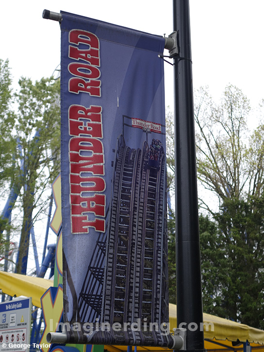 carowinds-thunder-road-banner-roller-coaster