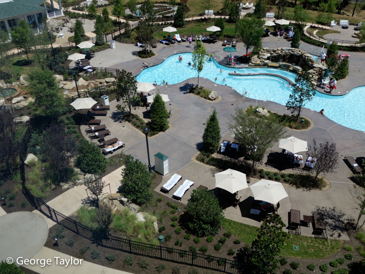 Dollywood-DreamMore-Pool-Activities-17