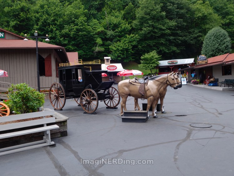 019-tweetsie-railroad-horse-and-carriage