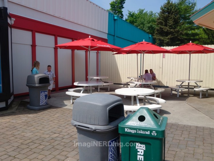 kings-island-coney-mall-seating