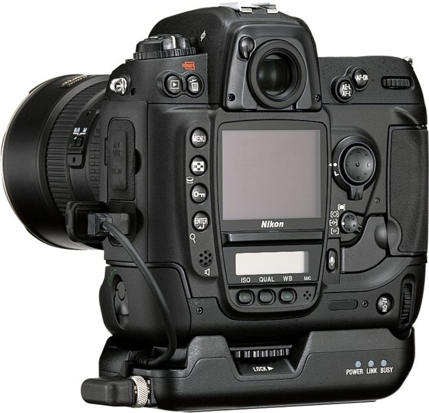 Nikon D2X Digital Camera Review: Design