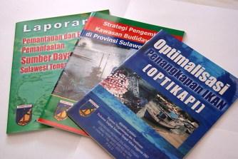 contoh desain cover buku