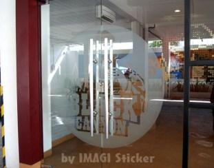 Stiker Sandblast Pintu Black Canyon Jl. Hertasning Makassar
