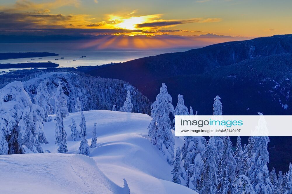 Seymour has the highest base elevation of vancouver's three main ski hills (the others being grouse and cypress),. Sunset From Mount Seymour Provincial Park North Vancouver British Columbia Canada Publicationxinx