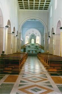 Abb. 16: Innenraum der Basilika