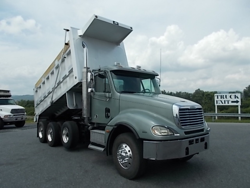 hight resolution of 2005 freightliner columbia cl120 tri axle aluminum dump truck for sale