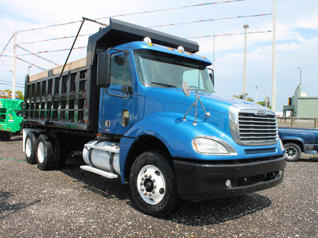 hight resolution of used 2007 freightliner columbia t a steel dump truck 2602