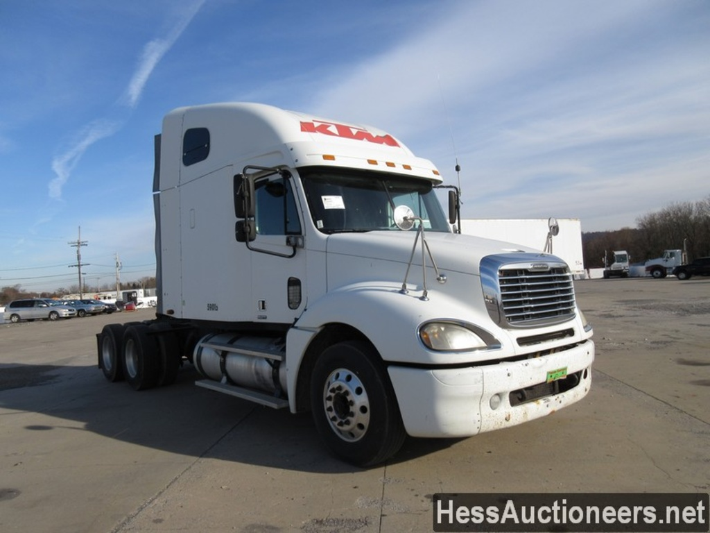 hight resolution of used 2005 freightliner columbia tandem axle sleeper trailer 27734 2