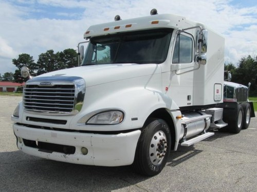 small resolution of used 2005 freightliner columbia 120 tandem axle sleeper truck 1139 1