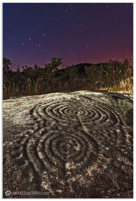 Comprar fotografía de Galicia Petroglifo Laxe das Rodas Muros Universo Decoración