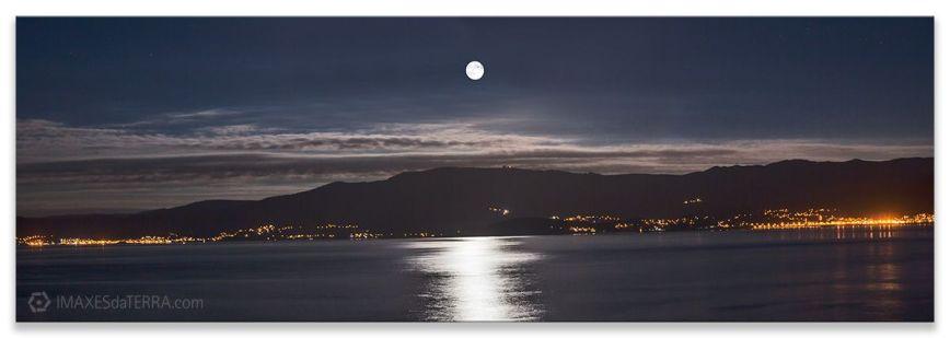 Luna Corcubión, Comprar fotografía  de Galicia Luna Corcubión Decoración Naturaleza Paisaje