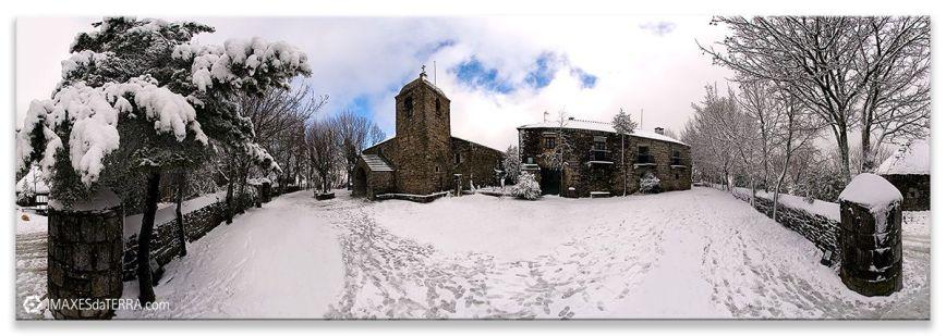O Cebreiro nevado, Comprar fotografía O Cebreiro Puerta de peregrinos Galicia Naturaleza Decoración