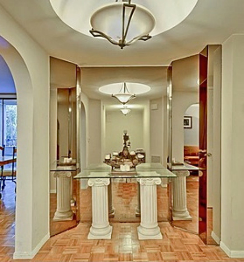 Condo foyer listing photo - dated and ugly!