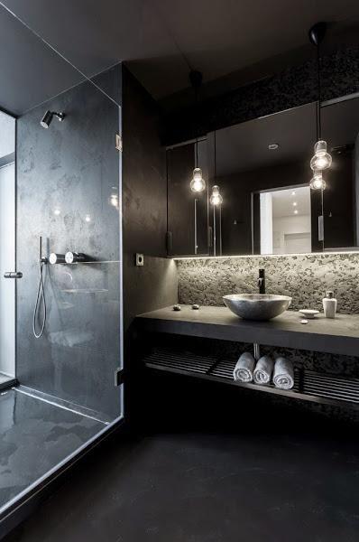 decoración de baño en negro