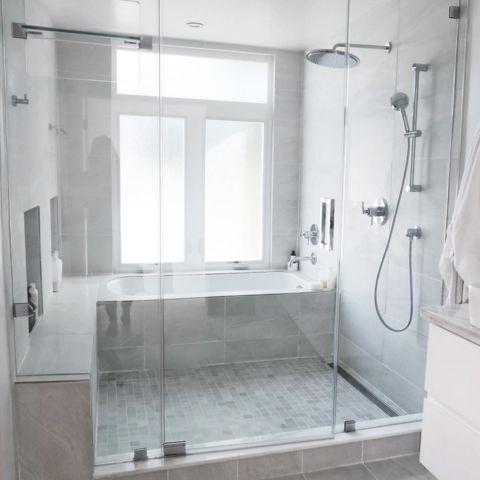 Reforma y decoración de un baño grande (15)