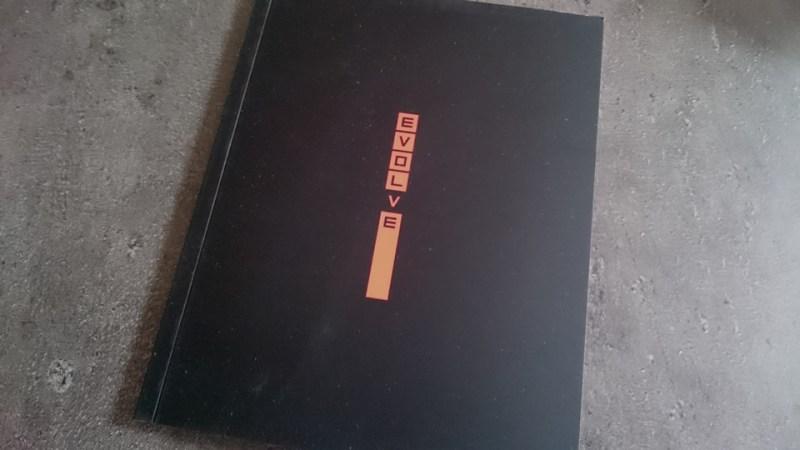 collector_press-kit-evolve_artbook