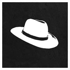 Tête à chapeau