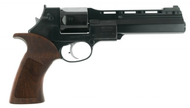 Pistol Italian Mateba Unica in .44 Rem. Mag. with muzzle break.jpg