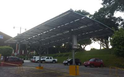 Proyecto Sombras de Parqueo UGB San Miguel.