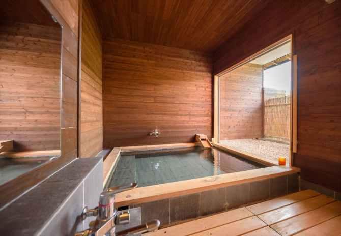 蔓蕩蒼(まとうそう)のツインタイプBー蕩(とう)ーの客室温泉風呂