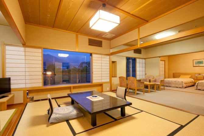 【水上館】和室10畳+リビング+ベッドルームのバリアフリータイプ客室