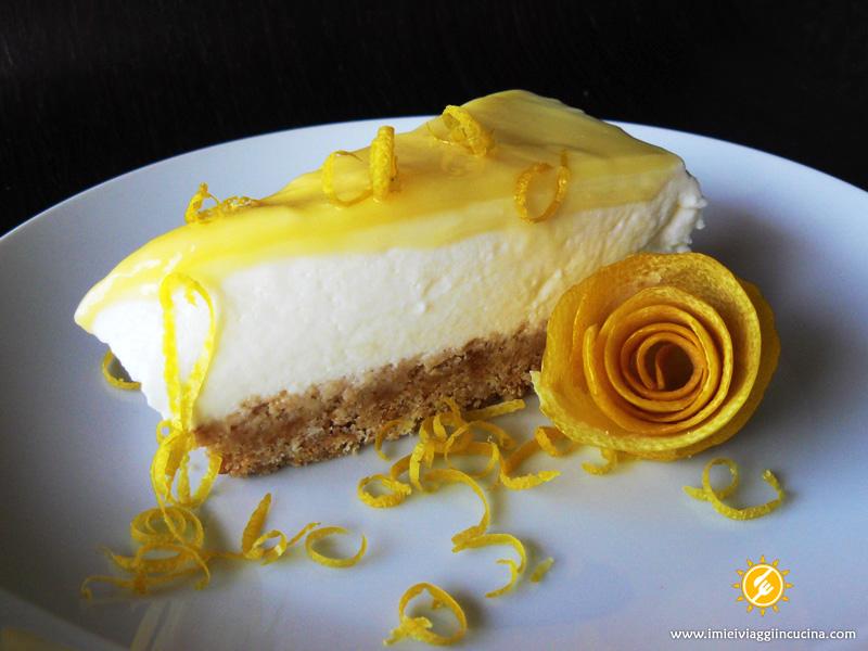 Torta allo Yogurt con Crema al Limone