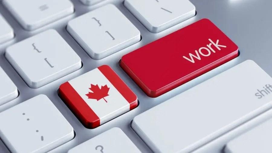 Trabalhando no Canadá; Imagem que mostra um teclado com a tecla para trabalhar no Canada