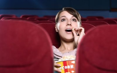Aprovecha la bajada del IVA del cine para disfrutar de los beneficios de ver películas en Version Original
