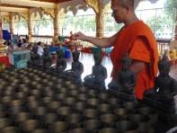 Monaco nel tempio di Wat Suan Dok