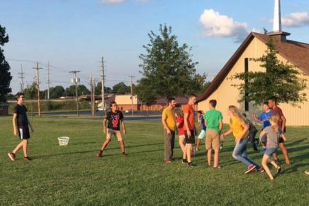 Youth in the field. youth ministry. immanuel lutheran church lcms. joplin missouri.