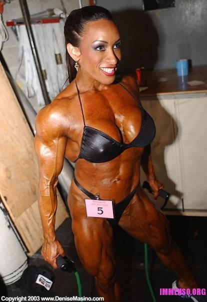 Foto donne palestrate 03  Donne muscolose che fanno