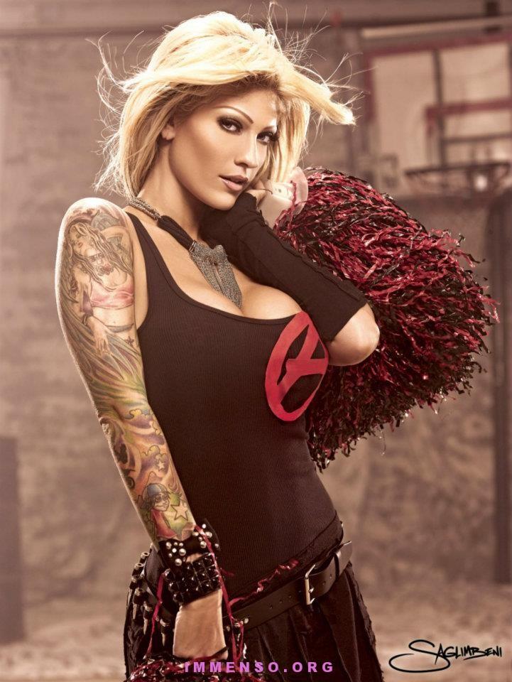 Foto belle ragazze con tatuaggi 51  Donne con tatuaggi