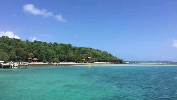 Plage paradisiaque en Martique proche des programmes Antilles Imm'Horizon Finances