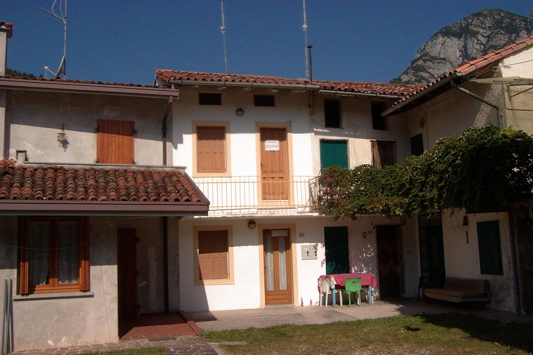 casa in linea  Montereale Valcellina  1048