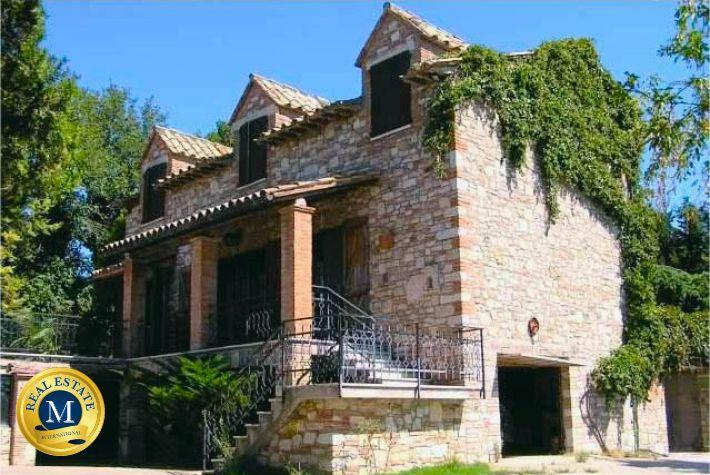 Casa colonica in vendita a Todi Umbria