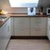 Schicke 4 Zimmer Wohnung - 98 m + 180 m Garten - EBK ...
