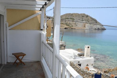 Grèce_ Maison en front de mer -8