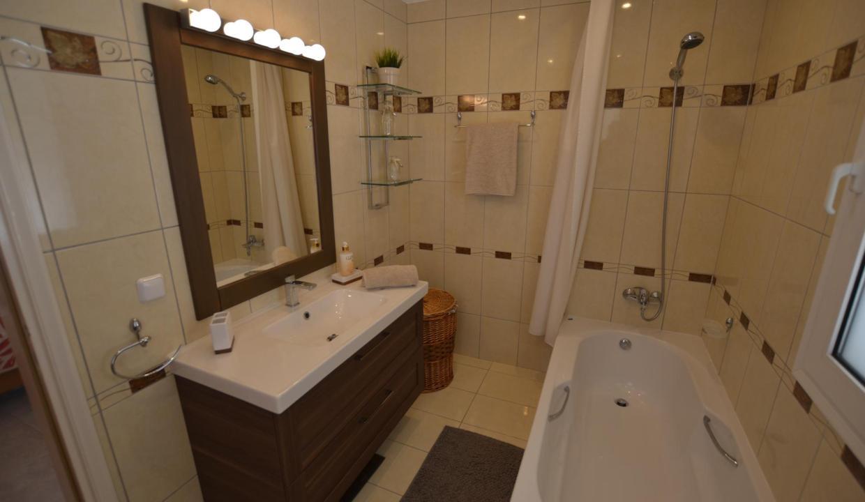 Vue panoramique sur la Méditerranée villa 4 chambres 220m2 licence EOT24