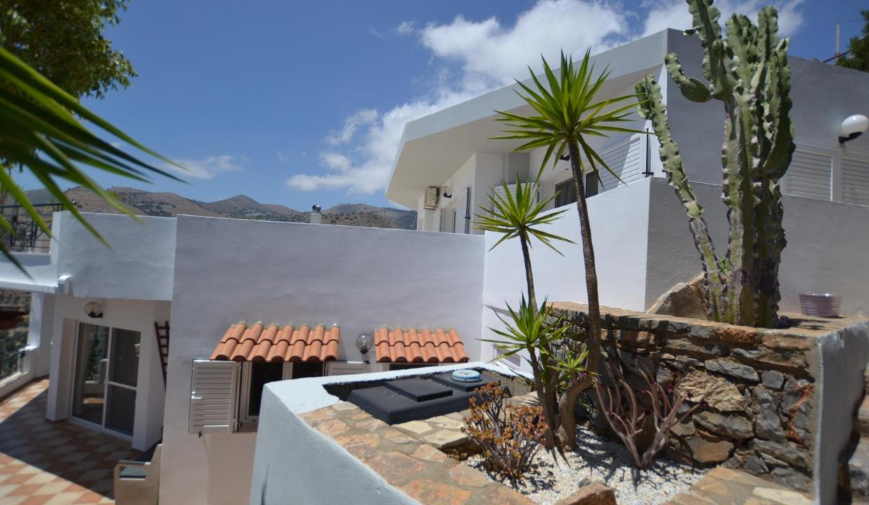 Vue panoramique sur la Méditerranée villa 4 chambres 220m2 licence EOT34