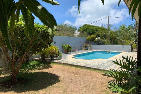 Jolie villa sécurisée avec vue sur mer et les îles du Nord à Calodyne2